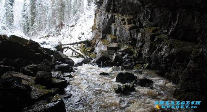 Азасская пещера